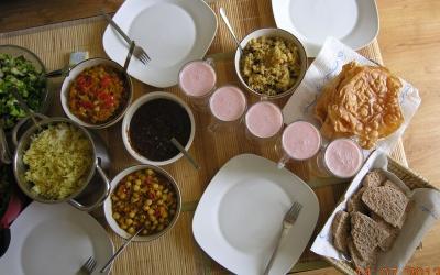 шестистадийный аюрведический обед